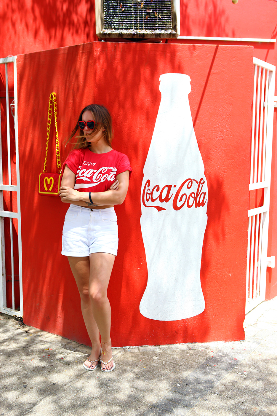 POSE-cocacola-crazy-2