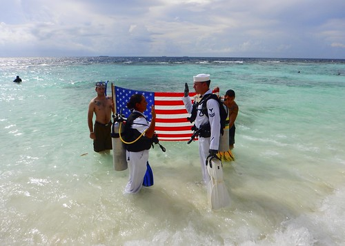 RMD Sailors Take the Reenlistment Plunge Underwater