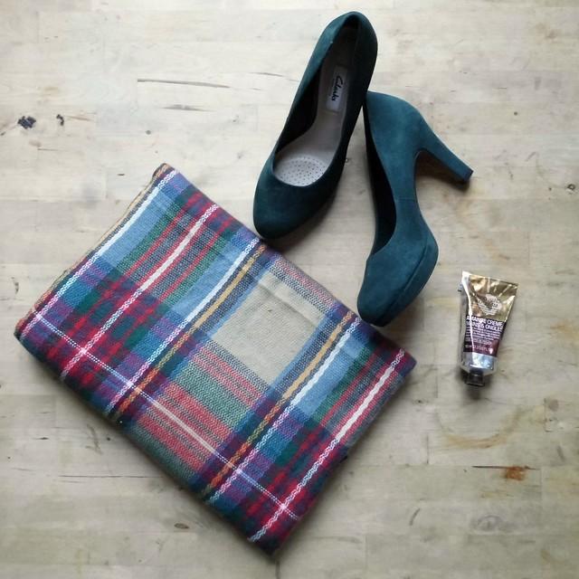 AW essentials F