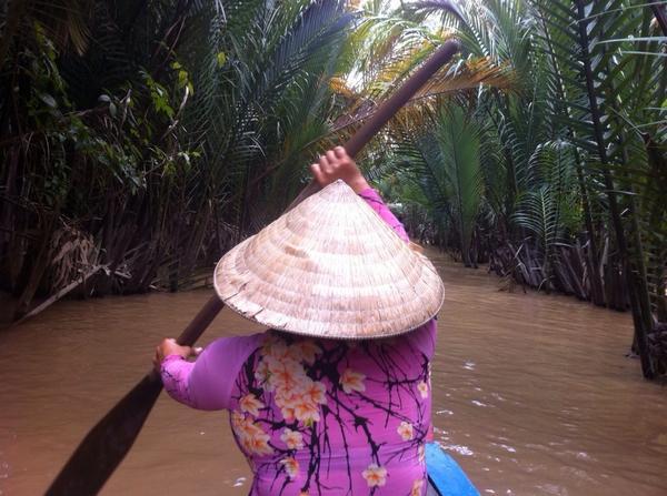 Navegando en los canales del delta del Mekong en Unicorn Island (My Tho, Vietnam)
