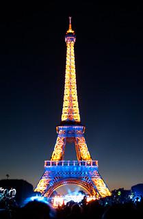 Illuminations de la Tour Eiffel pour le feu d'artifice du 14 Juillet