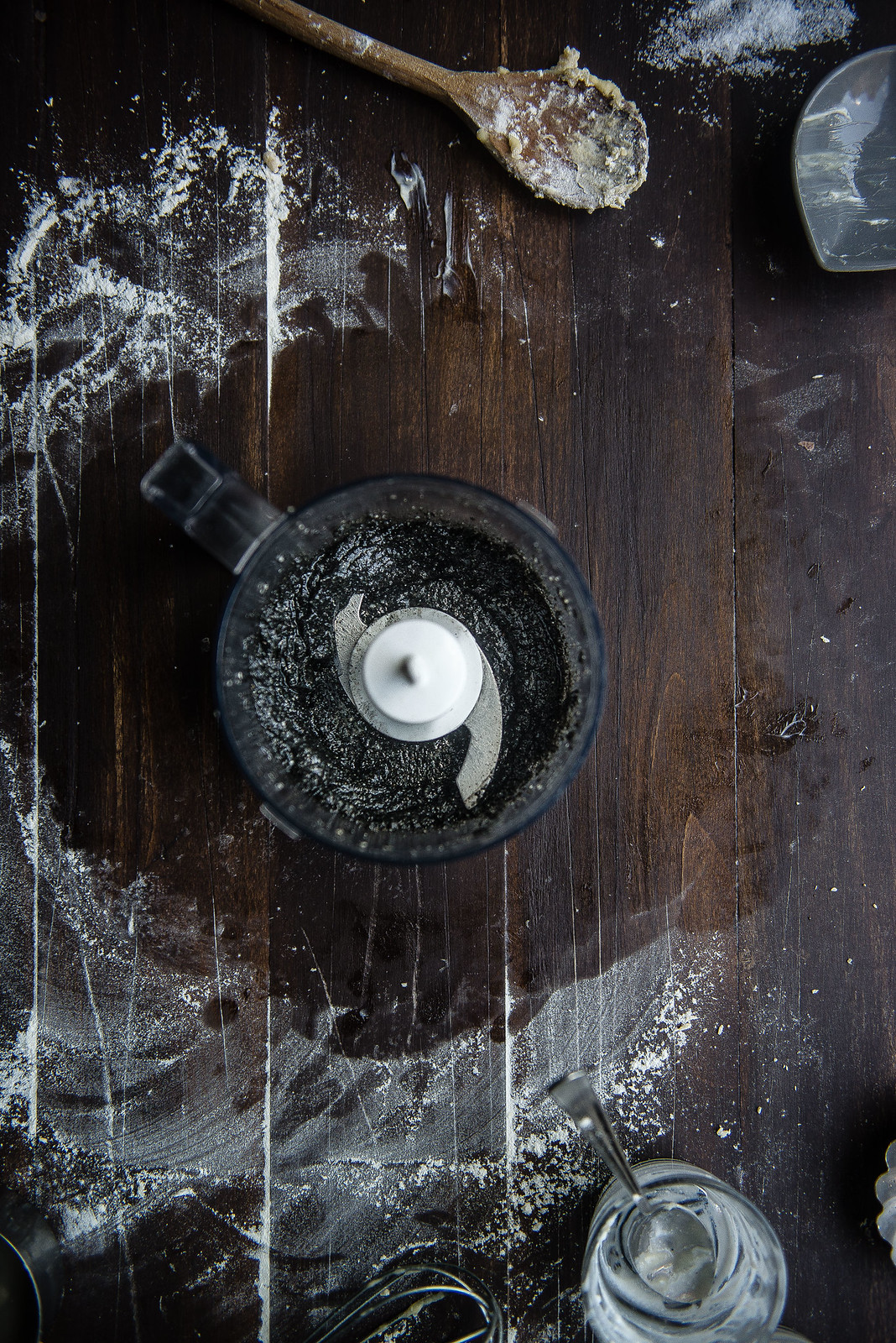 black sesame rolls with yuanyang coffee-tea glaze