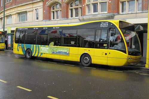 SB18 T18TYB Optare Versa V1100 Yellow Buses