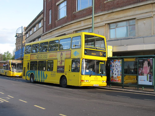 DB420 HJ02HFD Yellow Buses