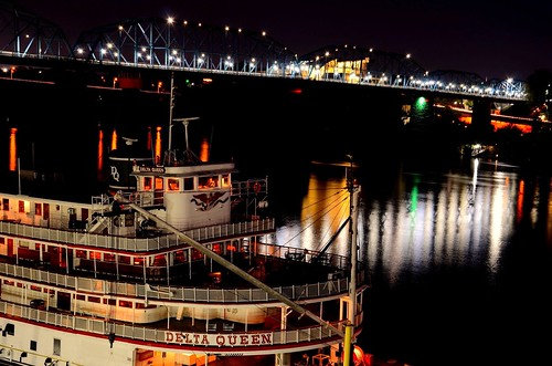 red orange white mist black reflection green fog night hotel evening flickr glow purple tennessee northshore lamps steamboat walnutstreetbridge riverbank tennesseeriver chattanoogatn bluffview huntermuseum deltaqueenhotelriverboat