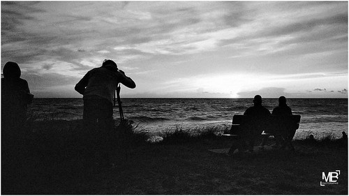 sunset bw mer france film monochrome vacances twilight kodak silhouettes scan dxo m6 photographe 2014 cs6 analogique lespieux epsonv700photo