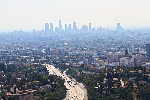 美國洛杉磯市中心的霧霾。(來源:traveljunction)