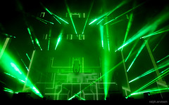 rock concert(0.0), music(0.0), music venue(1.0), laser(1.0), stage(1.0), green(1.0), disco(1.0),