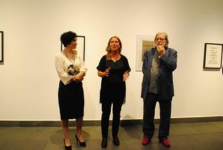 Un paseo por La Almona entre retratos y poesías visuales