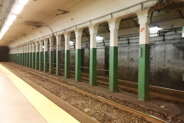 土, 2014-10-04 13:43 - 地下鉄Copley Square駅