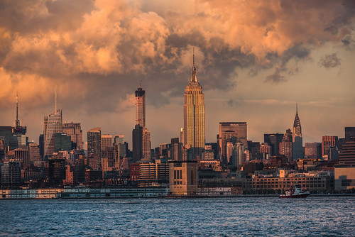 travel sunset ny newyork water horizontal clouds landscape cityscape unitedstates manhattan visit explore hudsonriver empirestatebuilding chyslerbuilding
