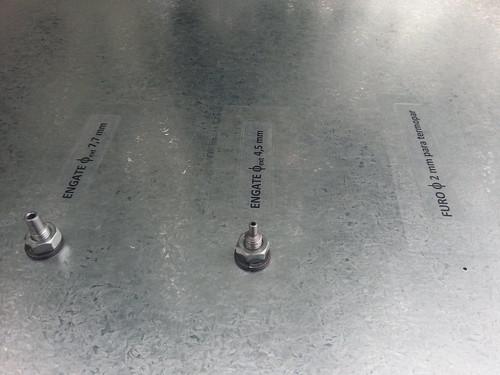 Câmara de emissão difusiva de solo com engates para amostrador, sensor de pressão e furo para termopar