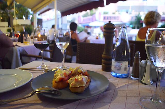 Garlic bread, Restaurant Capri, Playa Fañabe, Costa Adeje, Tenerife