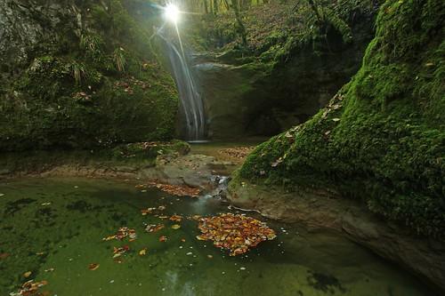 les cascade fontaine plaisir saut marmite ornans doubs ruisseau sapins saules loue charbonnières bonnevaux brème