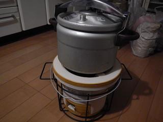 七輪と圧力鍋
