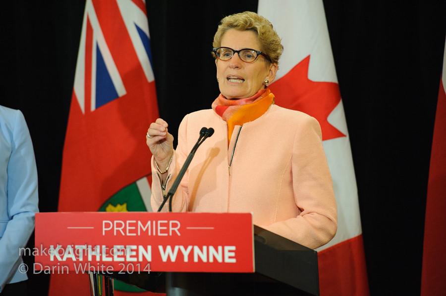 Premier Wynne scrum 2014-10-10-124