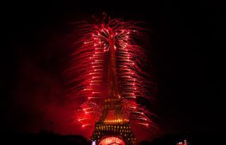 Feu d'artifice du 14 Juillet à la Tour Eiffel !