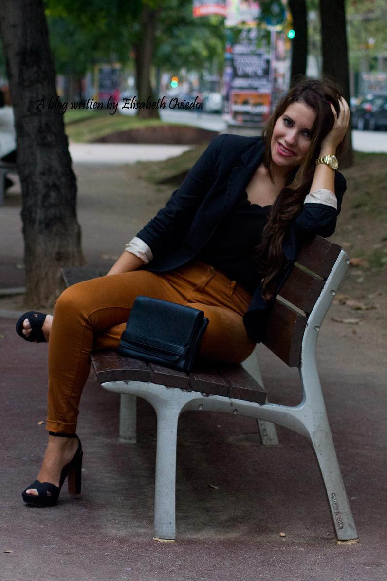 look pantalones mostazas HEELSANDROSES (5)