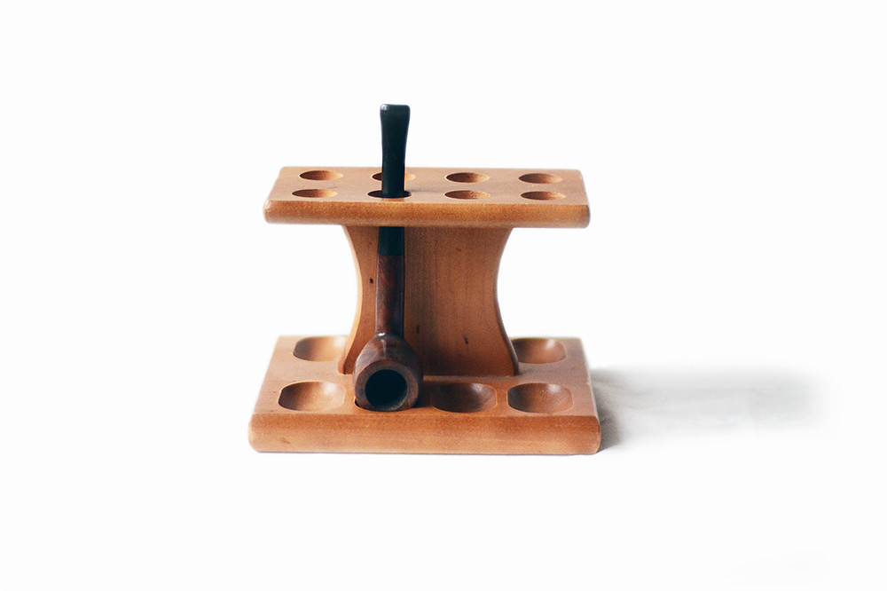 Vintage Wooden Pipe Stand with Lord Chesterfield Pipe