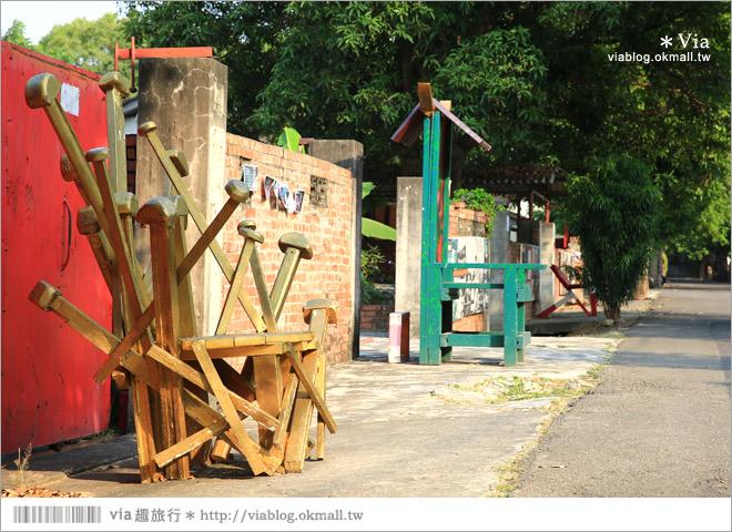 【台中霧峰景點】台中光復新村~可愛的造型椅林立、讓老眷村重新充滿新活力!24