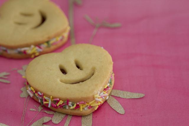 'Knave's Stolen Jam Tart' Heart-shaped jammy biscuit © ROH Restaurants 2014