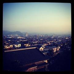 朝霧の街。