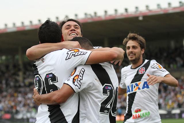 0df0d963a5 VASCO x Ponte Preta - Campeonato Brasileiro 2014 - Série B