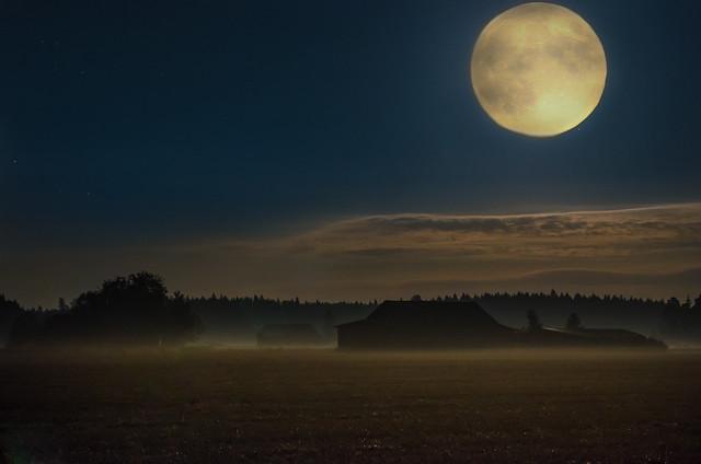red moon tonight edmonton - photo #10