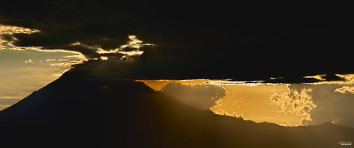 sunset naturaleza nature méxico clouds contraluz landscape mexico volcano nikon paisaje nubes puestadesol puebla silhoutte popocatepetl professionalphotography volcán popocatépetl fotografíaprofesional mexicanphotographers d5200 fotógrafosmexicanos nikond5200
