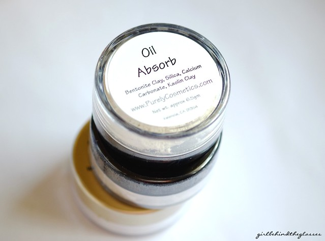 Purely Cosmetics Oil Absorb Powder2