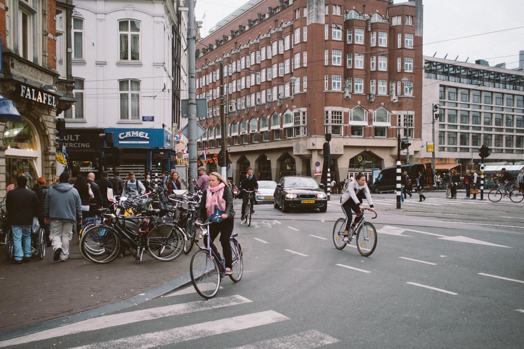 阿姆斯特丹 Amsterdam 踩單車 Amsterdam 踩單車 轆轆遊記。在 Amsterdam 踩單車的幾種路 15755077406 fa8d7f2d47 b