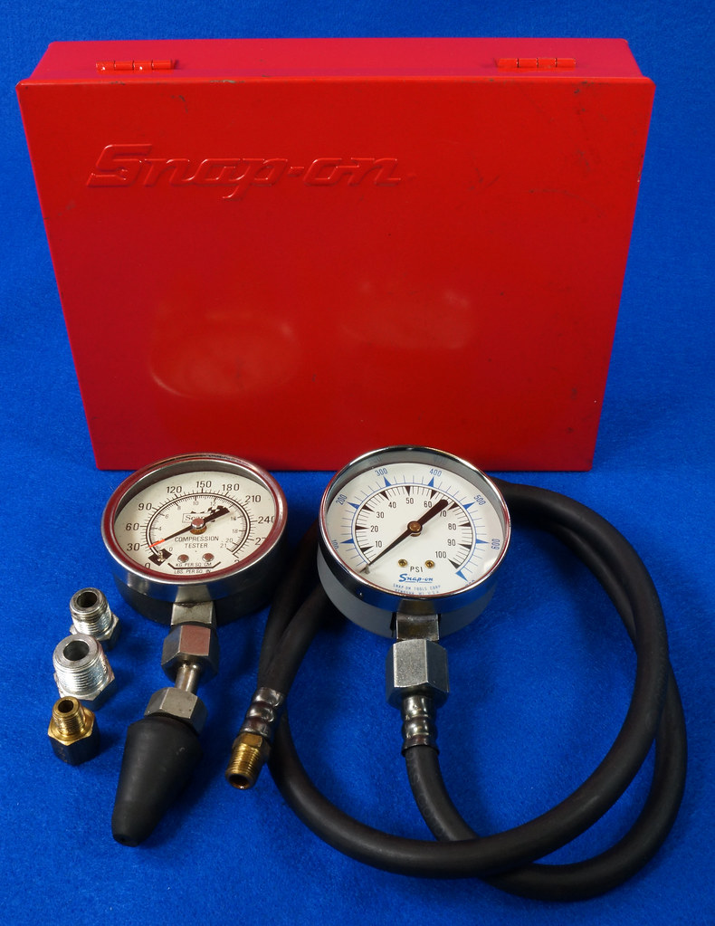 RD14488 Snap On 100 PSI Pressure Gauge Kilopascal in Metal Case with Sears 300 PSI Tester DSC06878