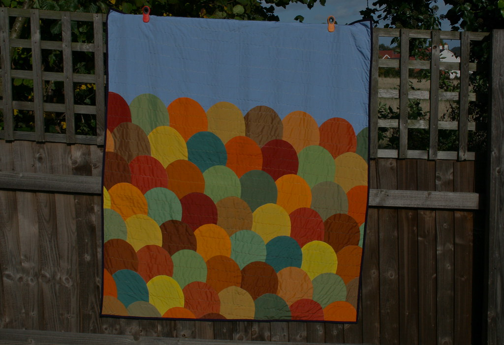 Oakshott Lap Quilt tutorial inspired by autumn colours and hillsides by fabricandflowers | Sonia Spence