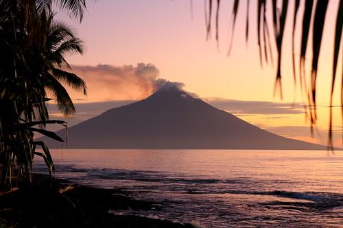 travel slr canon photography volcano rugby ngc ww2 png papuanewguinea portmoresby simbu rabaul tolai madang mountwilhelm goroka gurias kokopo eastnewbritain tavurvur 650d buai bogia manam