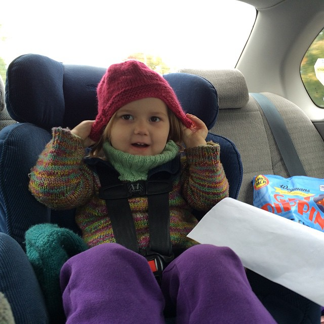 I finished M's new red hat on our way to go apple picking with friends from her school.