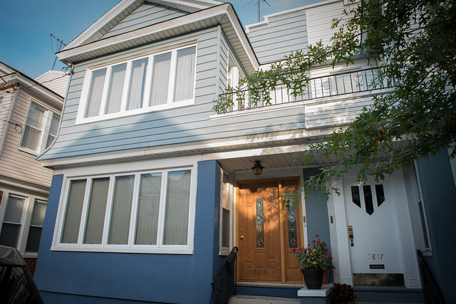 2 FAMILY GLENDALE  -Under Contract-
