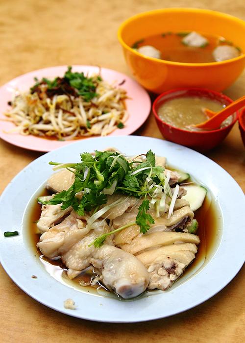 Ipoh-Steamed-Chicken-Rice