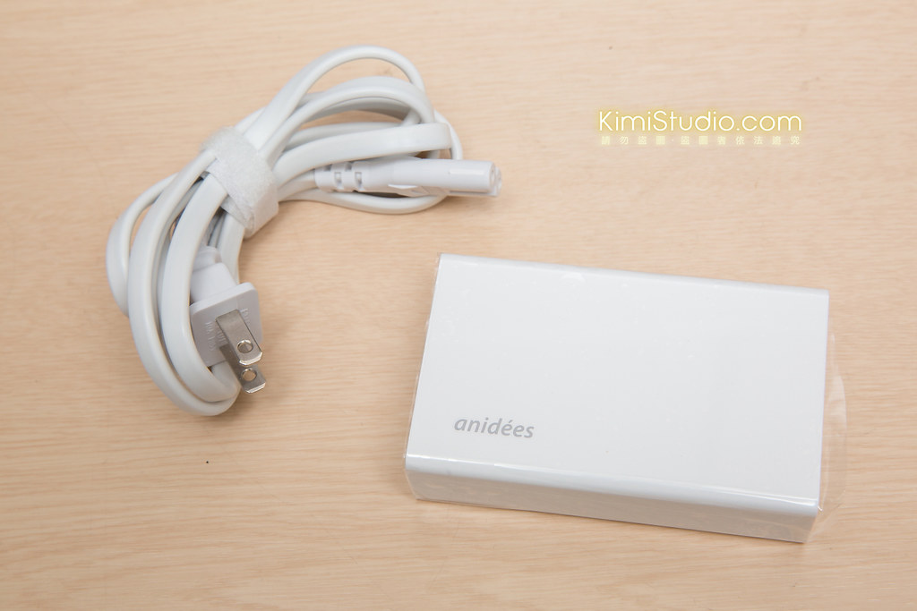 2014 anidees USB 桌上型充電器-008