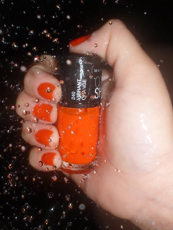 Unhas da semana : 240- Vibrant Orange Color Show da Maybelline