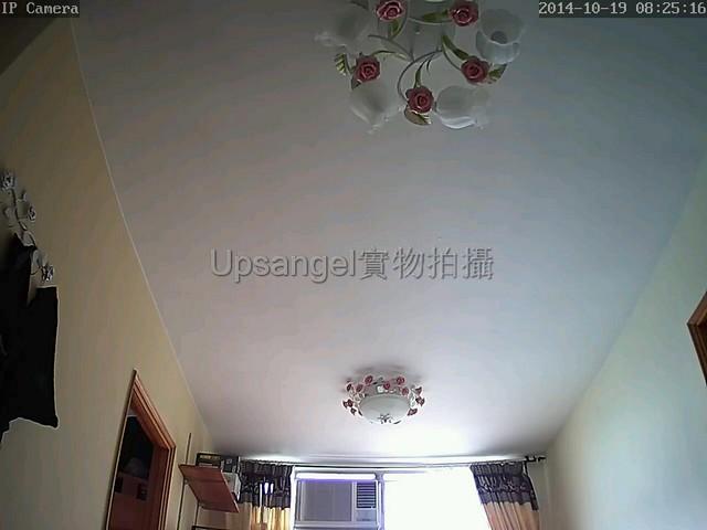 新版960P - 1280 x 960的廣角視野(天花板看到兩盞燈!):