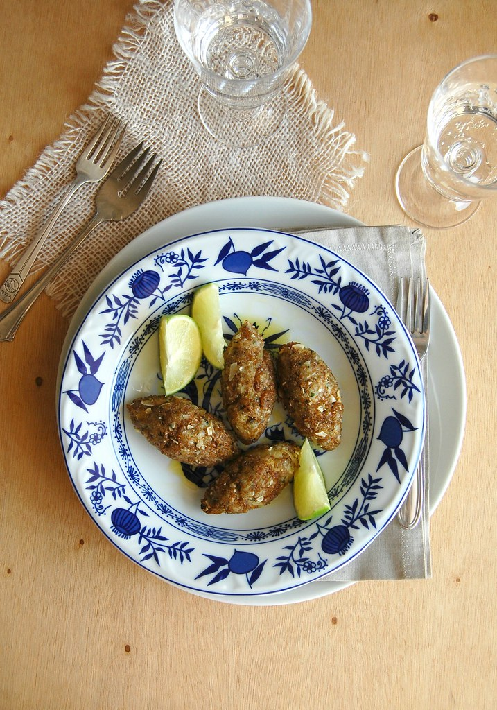 Fish kibbeh / Quibes de peixe