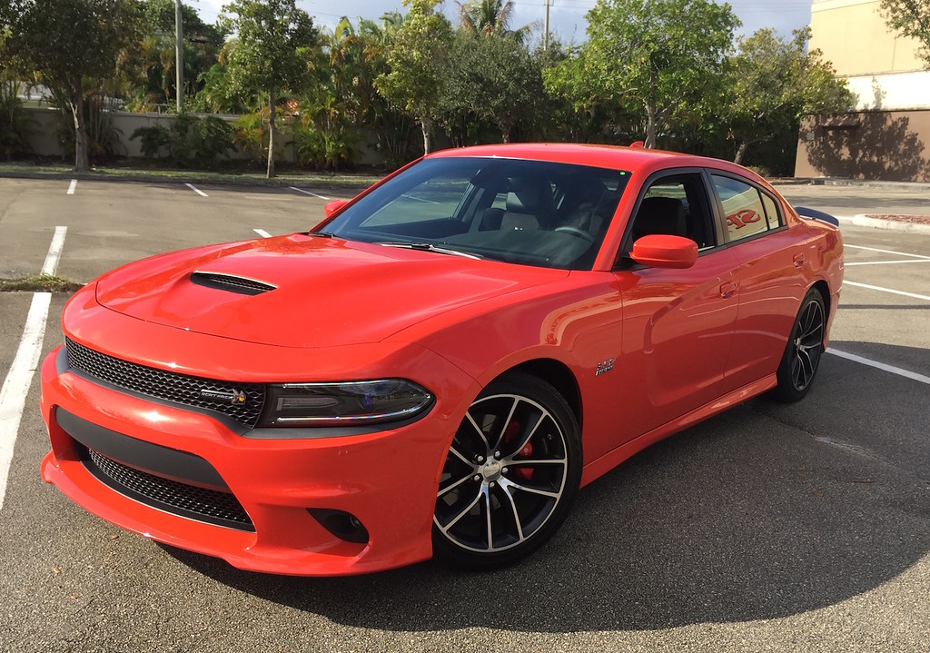 2016 Dodge Charger R/T Scat Pack: Sports Authority in the Sunshine State