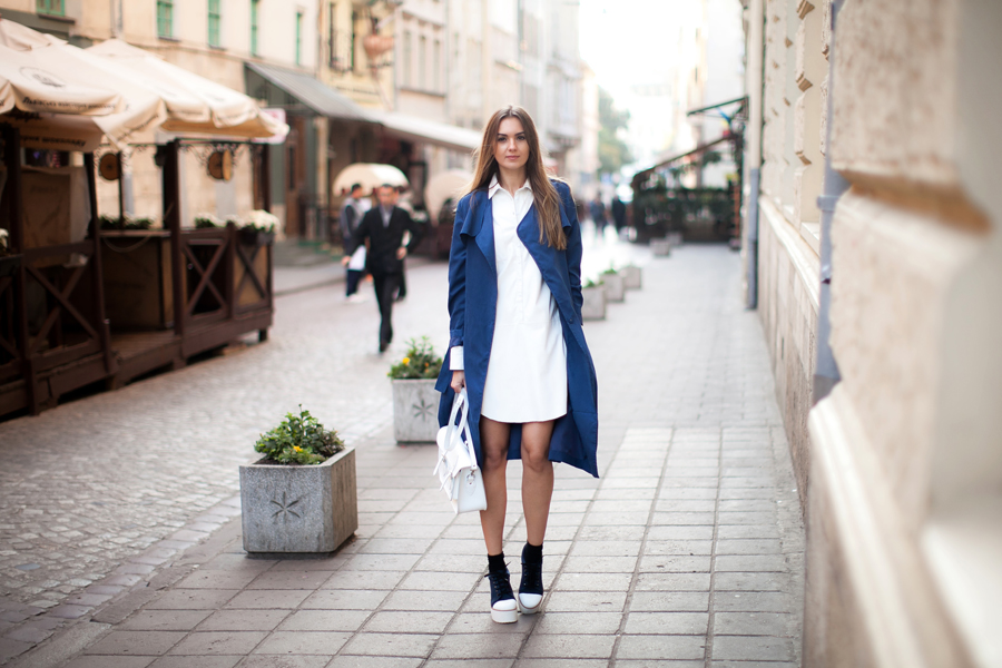 how-to-wear-a-white-shirt-dress-outfit-ideas