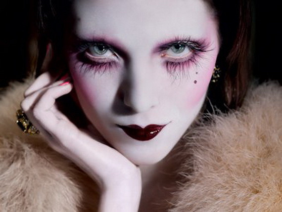 gothic-makeup-with-purple