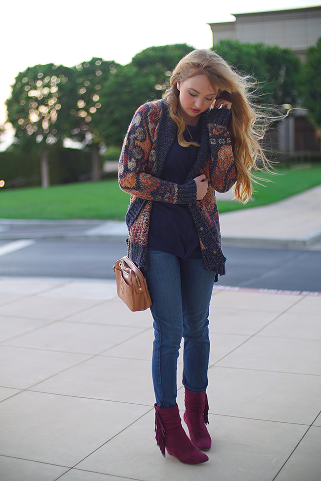 chunky knit sweater with skinny jeans fall fashion