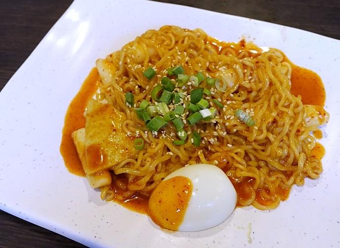 8 江原道韓國料理辣炒年糕拉麵