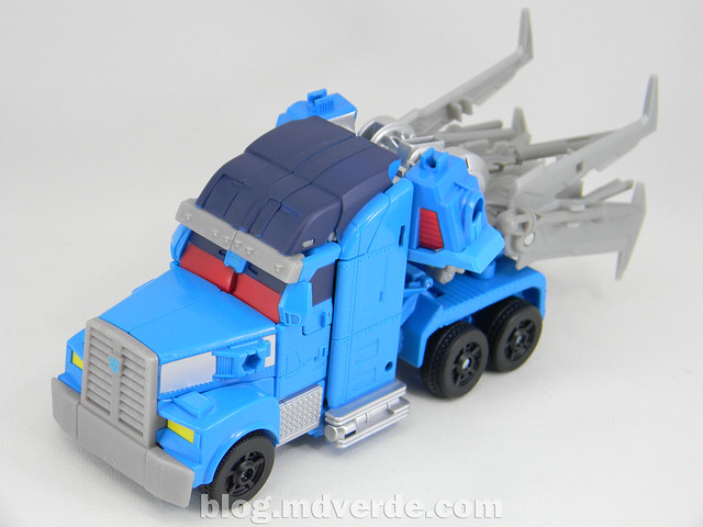 Transformers Ultra Magnus Voyager - Transformers Prime Beast Hunters - modo alterno