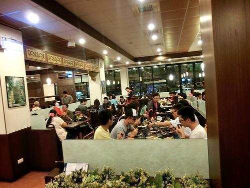 小情侶慶生聚餐的便宜美食餐廳-高雄松江庭日本料理專賣店 (18)