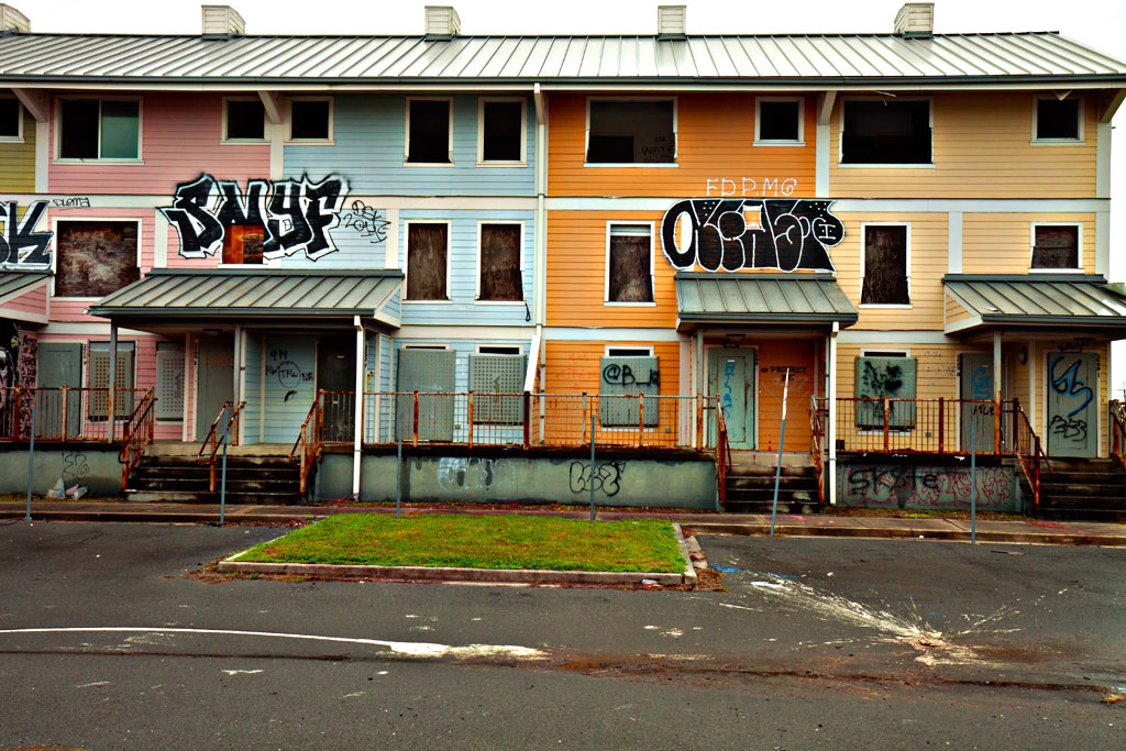 Public-housing-ruined-by-Katrina--New-Orleans-4
