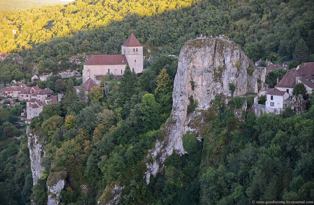 44 Saint-Cirq-Lapopie
